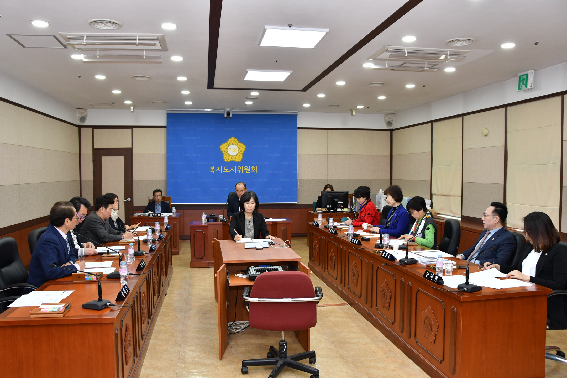제275회 임시회 복지도시위원회 GNC_3238.jpg