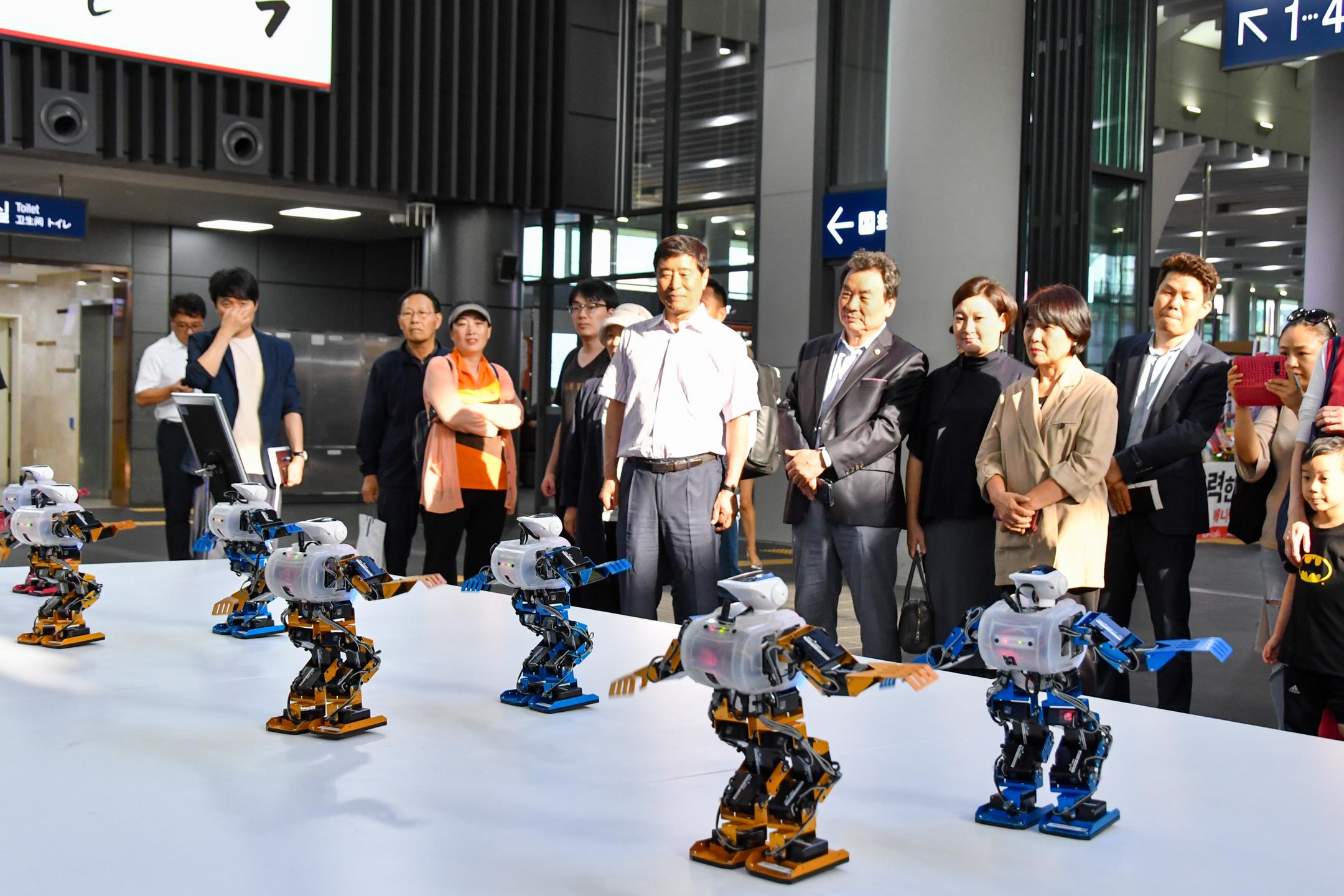 로봇 . ICT 전시회 로봇.ICT 전시회(6).jpg